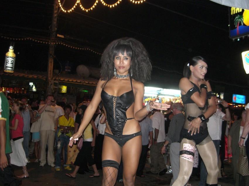 Blonde puts dildo in pussy