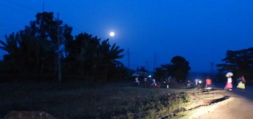 Uganda to Kenya: Hitchhiking with a German and Sniffing Tobacco