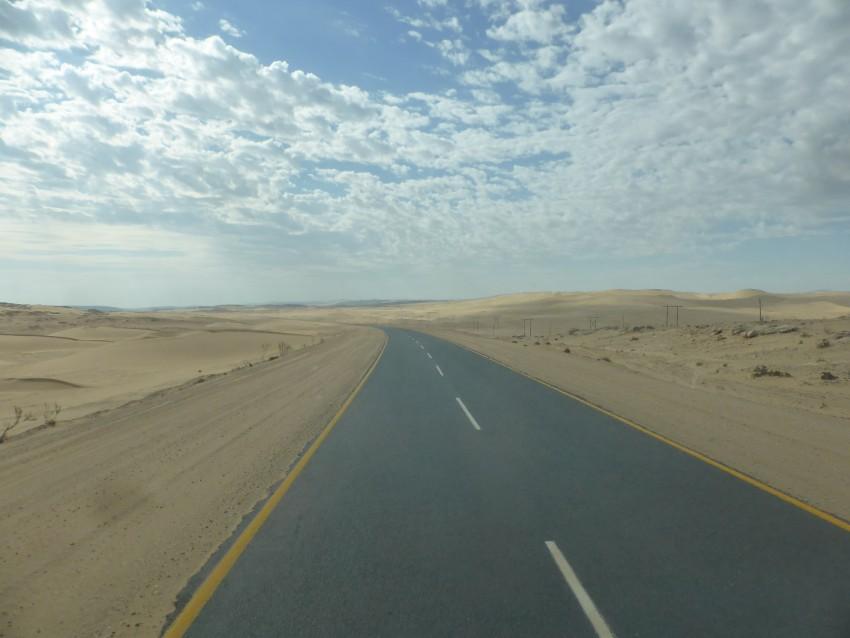 The sandy highway between Aus and Lüderitz.