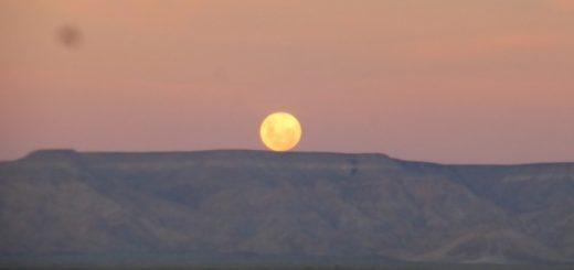 That moonrise...